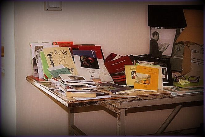 In attesa di essere catalogati, i libri del nostro Fondo poetico